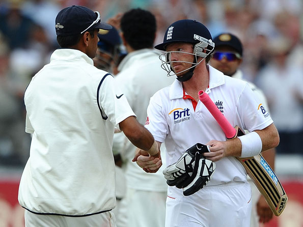 MS Dhoni's recall of Ian Bell doesn't jell with spirit in which cricket is  played now - Cricket Country