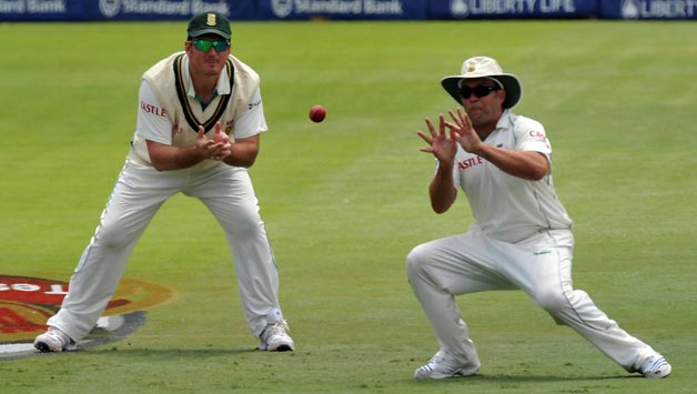 Jacques Kallis becomes second fielder to take 200 catches in Tests - Cricket Country