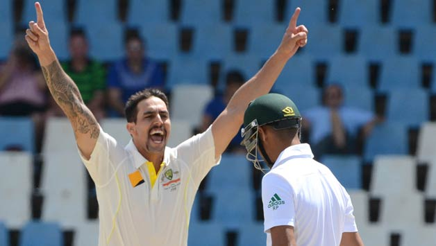 Mitchell Johnson picked up two wickets in his first two overs of the innings © Getty Images (File Photo)