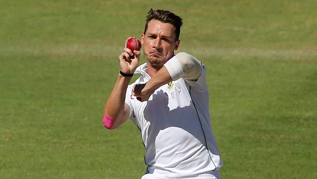 Dale Steyn took the first wicket of Zimbabwe early in the day © Getty Images
