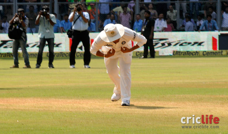 Moment that stood out in his final Test. Sachin pays his respects to the 22 yards that made him a legend.