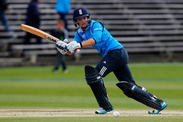 Sarah Taylor helps England chances of retaining Women's Ashes alive    Getty Images
