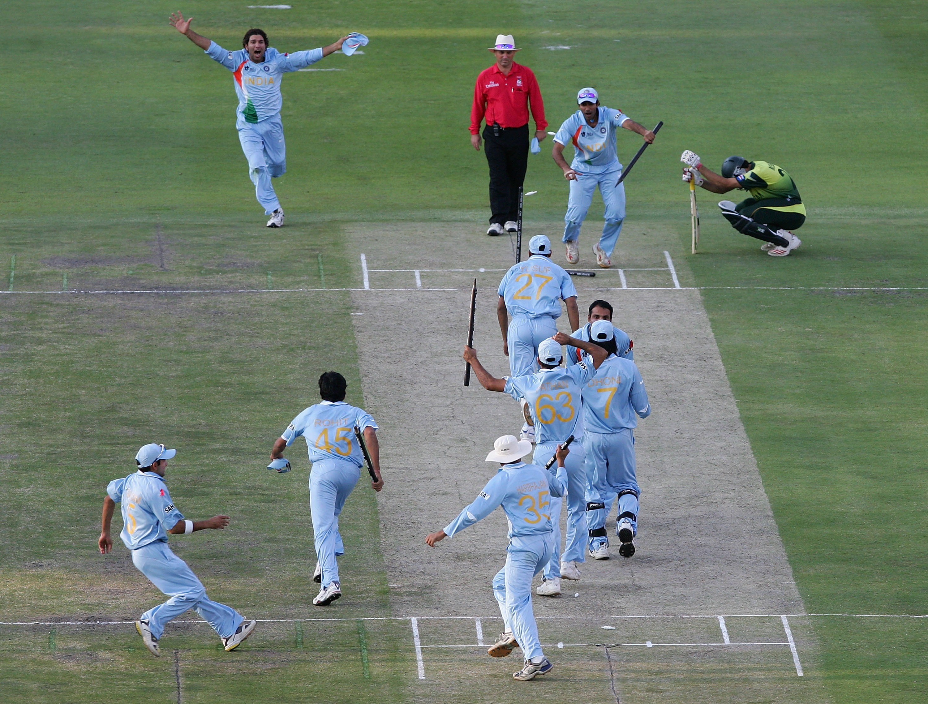 Photos of the world cup win team list cricket t20