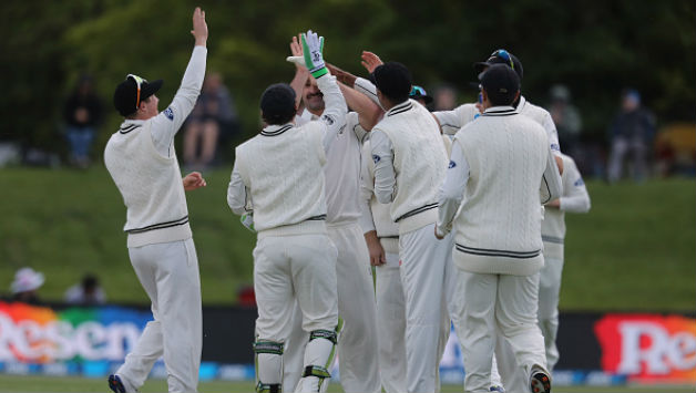 Colin de Grandhomme celebrates one of his six wickets with his teammates    Getty Images
