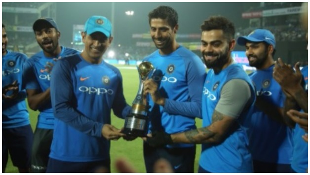 India team members felicitate Ashish Nehra before the match    ICC Twitter