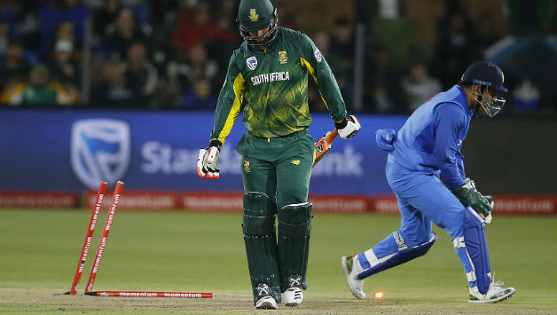 MS Dhoni swiftly gets rid of Heinrich Klaasen for 39 © AFP