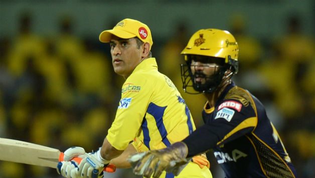 Dinesh Karthik (R) said it is early days in the tournament, and hopes his pacers to bounce back © AFP