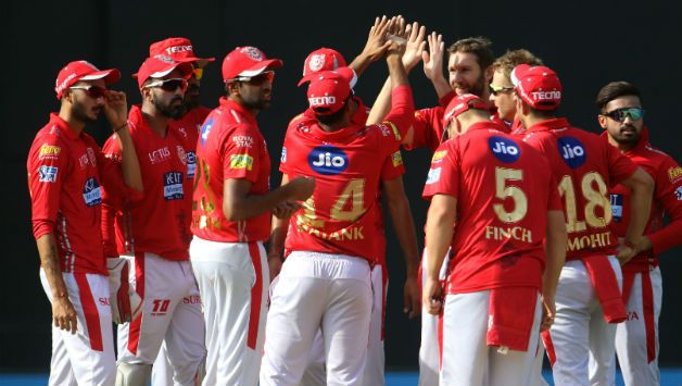 Andrew Tye provided KXIP early breakthrough picking Chris Lynn for 27 © BCCI