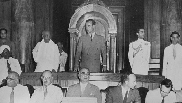 Lord Mountbatten at the historic Press Conference in Delhi, June 1947 © Getty Images Sardar Vallabhbhai Patel is standing next to Mountbatten Front, from left: VP Menon, Eric Mieville, Lord Ismay, George Abell, Ian Scott