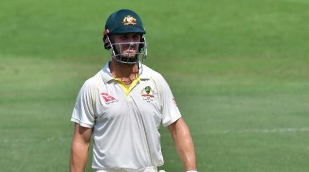 Australia have dropped Peter Handscomb and recalled allrounder Mitchell Marsh for the third Test against India starting in Melbourne on Wednesday.