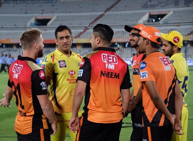 Back spasm does not stop MS Dhoni from having fun with SRH players post CSK defeat