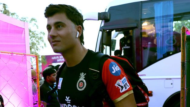 Rajasthan Royals opt to bowl, Marcus Stoinis debuts for RCB