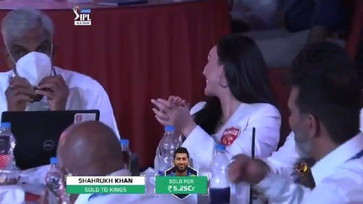 IPL Auction: Preity Zinta's Reaction on Getting Shah Rukh ...