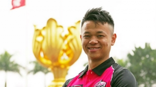 Chinese cricketer Ming Li watched Shane Warne videos on YouTube to learn leg-spin