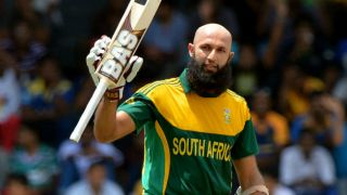 Amla's century propels South Africa to 304/5