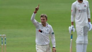 Joe Root's 4/5 in bowling helps Yorkshire beat Lancashire