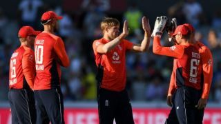England restrict India to 148 in 2nd T20I