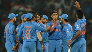 Disciplined India restrict Pakistan to 118 for 5 in rain-shortened T20 World Cup 2016 match 19 at Eden Gardens