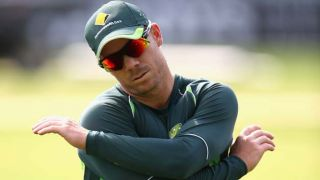 David Warner engages MS Dhoni in a verbal battle