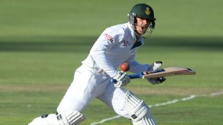 De Kock's fifty blunts hosts; SA 331/7 at Lunch